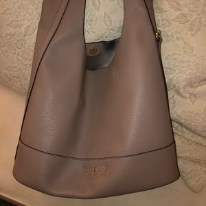 Guess tan medium tote only worn once